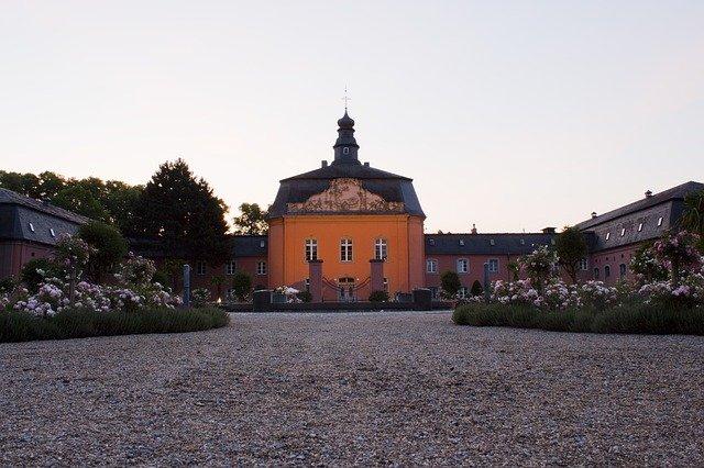 Schloss Wickrath Mönchengladbach - Dohmen Malermeister